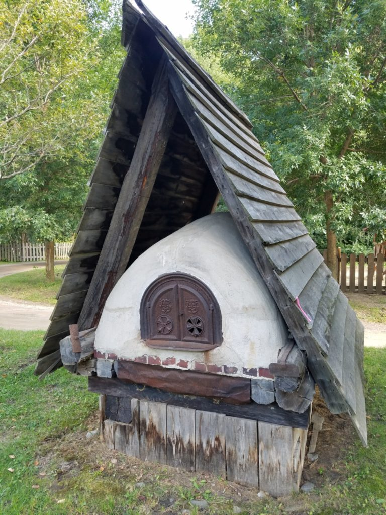 Bread oven at Village Quebeçois d'Anton