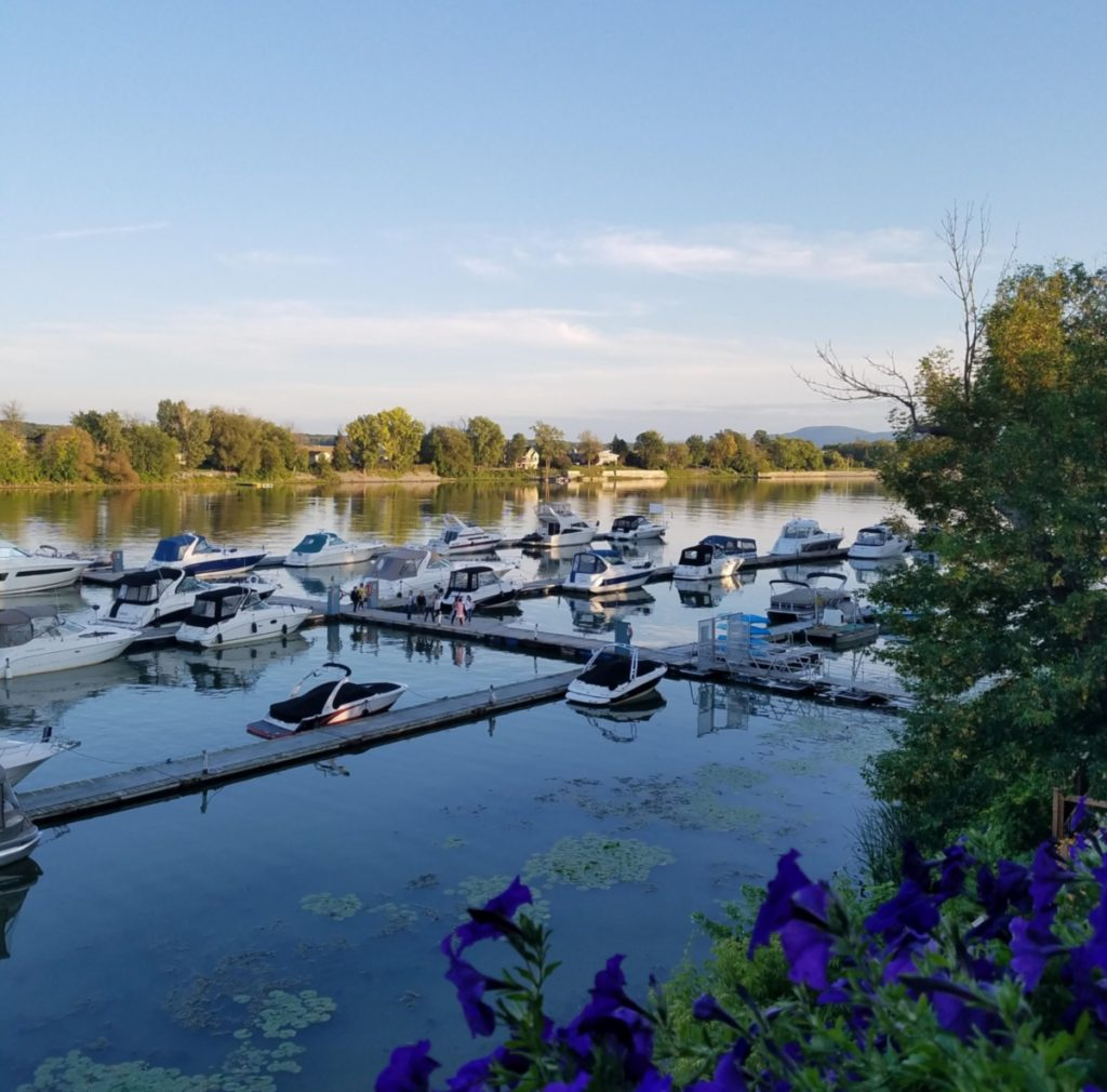 Pleasure boats at Auberge Handfield's marina